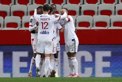 Liderato del Lyon, presión para el PSG y el Lille
