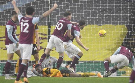 El Burnley logra escapar de los puestos de descenso.