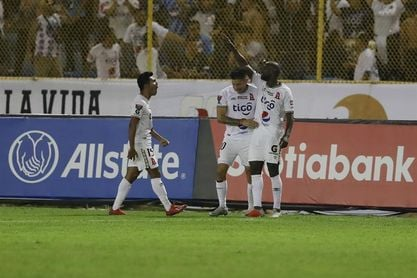 Cuatro equipos se acercan a los cuartos de final en la liga de El Salvador