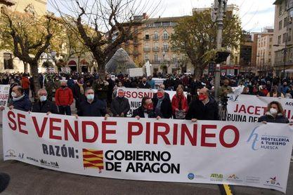 El Pirineo alza su voz en Huesca en defensa de la nieve y de su supervivencia