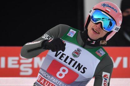 Kubacki gana con récord en Garmisch y Granerud lidera el Cuatro Trampolines