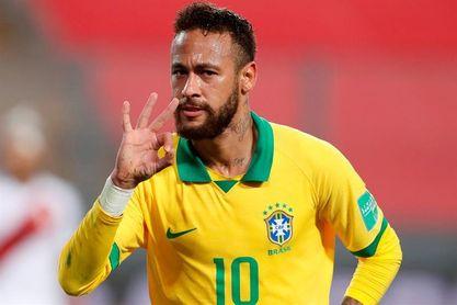 Neymar muestra su cena de año nuevo para pocos e ironiza los 500 invitados