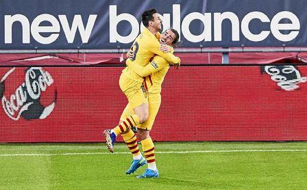 Messi amarga con un doblete el debut de Marcelino.