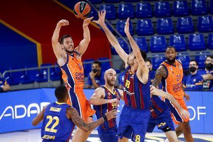 89-72. El Barça más coral bloquea al Valencia Basket
