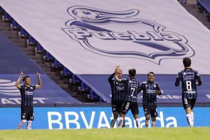 Altamirano confirma que el uruguayo Dos Santos aún no puede jugar en México