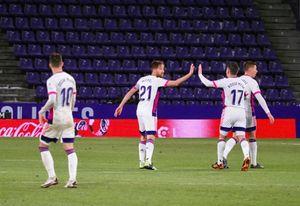2-2. El Real Valladolid araña un punto en el minuto 89