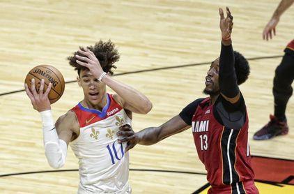113-107. Adebayo lidera remontada de Heat ante los devaluados Pistons