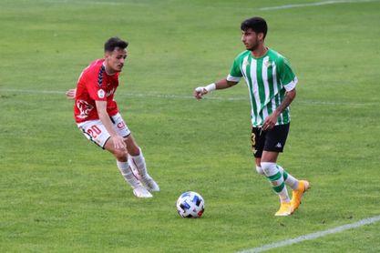 Real Murcia 0-2 Betis Deportivo: Triunfo de peso para meterse en la pelea por el ascenso