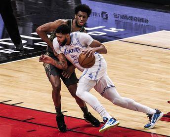 90-101. Davis anota 37 puntos y los Lakers amplían su racha ganadora e invicta