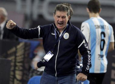 """Cadenas considera una """"oportunidad perdida"""" la actuación de Argentina en el mundial"""