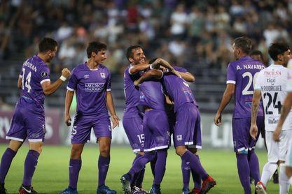 El Defensor vence de visita al Peñarol, que aún no gana en el Clausura