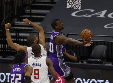 124-126. Barnes mantiene ganadores a Kings y dejan en crisis a Raptors