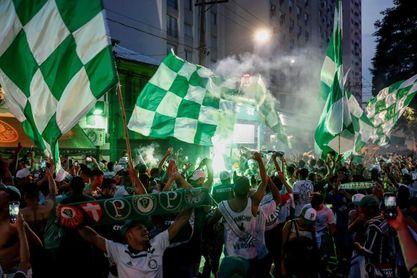 Hinchas del Palmeiras ignoran el confinamiento y se toman calles de Sao Paulo
