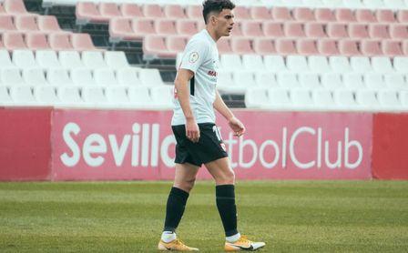 Julen no se pierde el debut de Pablo Pérez con el filial.