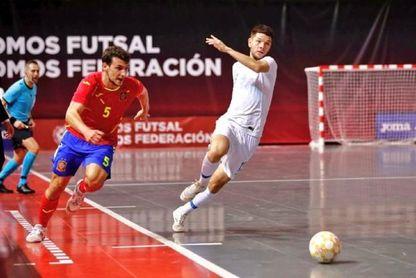 Lluvia de elogios para el bético Eric Pérez tras su brillante debut con España