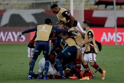 Flamengo, al asalto del liderato contra el Bragantino de Claudinho