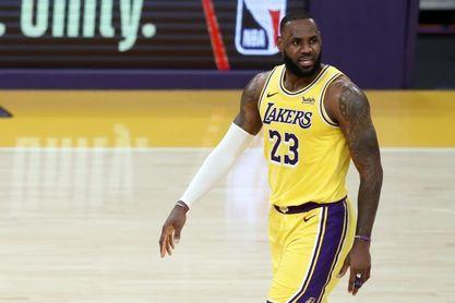 Jazz y Lakers no ceden en el Oeste; sorpresa en Filadelfia