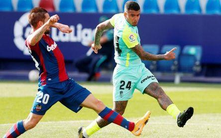 2-2. La resaca copera provoca un empate en el Ciutat de València