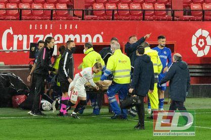 """Ocampos, a Lopetegui: """"Me han destrozado la pierna""""."""