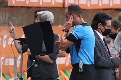 El uruguayo Ostojich dirigirá la final Bayern-Tigres UANL