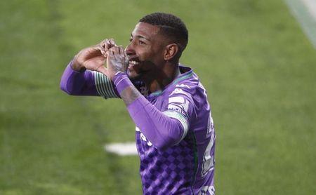 """Emerson: """"¿El penalti? El balón me da antes en el pecho""""."""