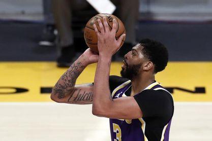 122-105: Jokic y Campazzo destrozan a los Lakers que tiemblan por la lesión de Davis