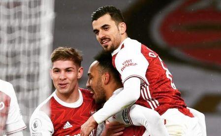 Dani Ceballos mostró también su asombro por el penalti señalado sobre Emerson en Villarreal.