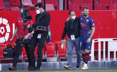 La lesión de Gastón Silva ante el Sevilla es más grave de lo que Pacheta esperaba.