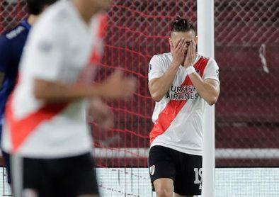 River cae ante Estudiantes mientras que Boca iguala con Gimnasia en el inicio