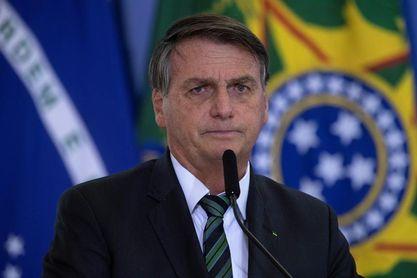 """Decretos de Bolsonaro permiten tener """"un arsenal"""" de armas, alerta oposición"""