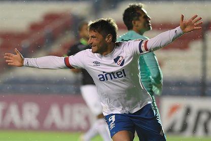 Gonzalo Bergessio e Ignacio Ramírez no paran de hacer goles con el Nacional de Uruguay