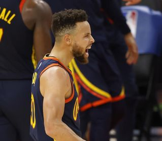 107-111.Curry y los Warriors ganan a Pacers y mantienen su puesto en los playoffs