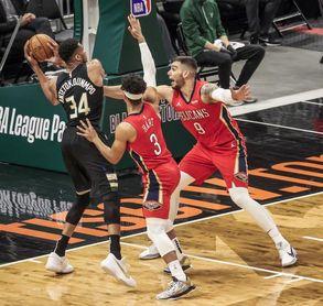 129-125. Antetokounmpo gana el duelo a Williamson y Bucks se imponen a Pelicans