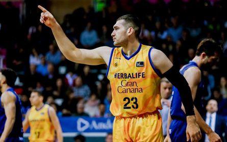 El exbético Burjanadze deja el Gran Canaria