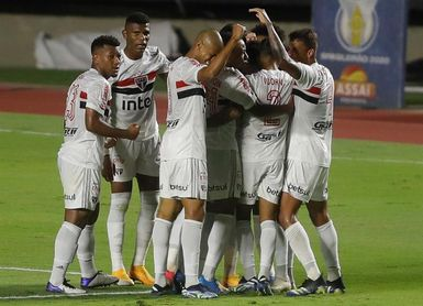 Luciano y Claudinho, máximos goleadores de la liga brasileña