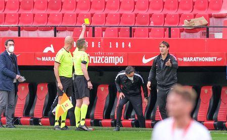 ¿Debió ser expulsado Messi por su agarrón a Koundé?