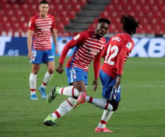 2-1. El Granada corta su mala racha y mantiene al Elche en descenso