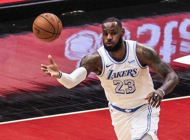 104-114. Los Lakers sin Marc Gasol plantan cara pero caen ante los Suns