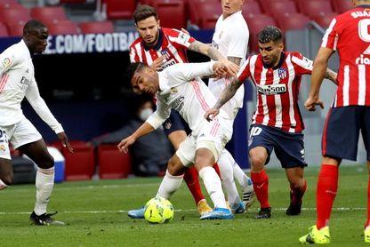 El derbi madrileño deja abierta la Liga