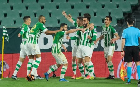 Real Betis-Alavés (3-2): Soberbia remontada antes del derbi que sabe a Europa