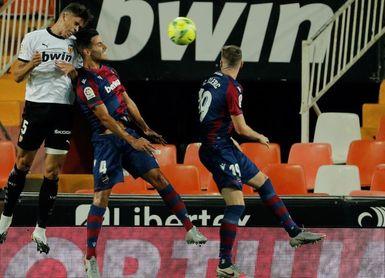 Levante, cara de la temporada; Valencia, cruz, pero con 2 puntos de distancia