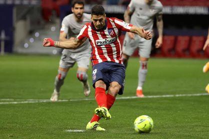 2-1. Llorente y Suárez inflan el colchón del líder