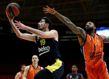 66-52. Van Rossom da aire al Valencia Basket