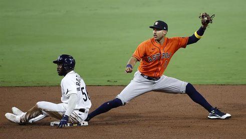 Dusty Baker piensa en Carlos Correa como primer bate de Astros