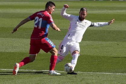 2-1. Benzema evita una nueva renuncia