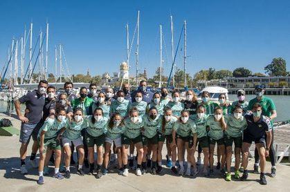 El Real Betis Féminas, de convivencia en el Club Náutico Sevilla