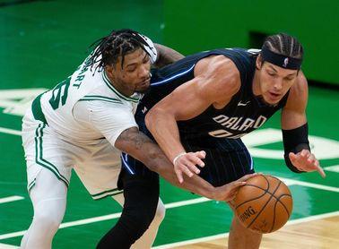 112-96. Brown dirige la victoria de Celtics, que cortan racha perdedora