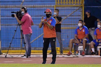Olimpia, sin jugar, sigue de líder del torneo Clausura de Honduras