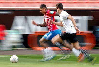 El brasileño Kenedy no sufre ninguna lesión y entrena con normalidad