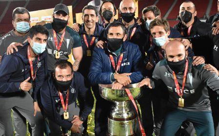 Poyet arranca con un título su andadura en Chile